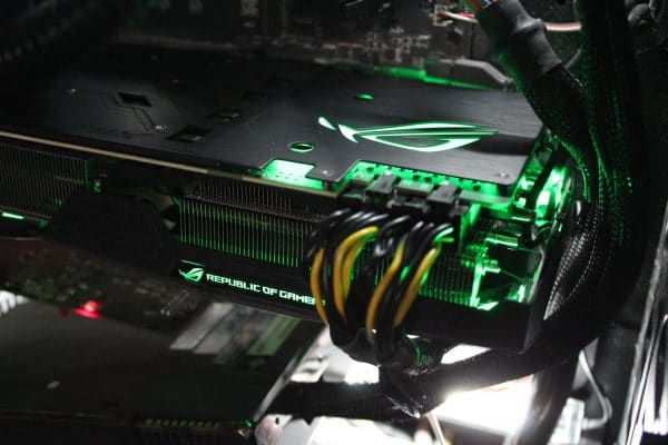 Asus Strix GeForce GTX 1080 Ti - RGB Green