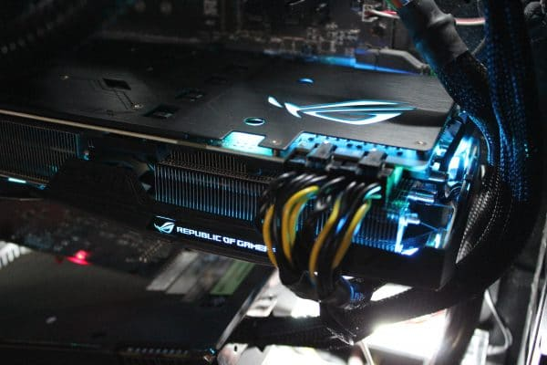 Asus Strix GeForce GTX 1080 Ti - RGB Light Blue