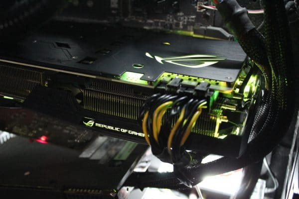 Asus Strix GeForce GTX 1080 Ti - Yellow