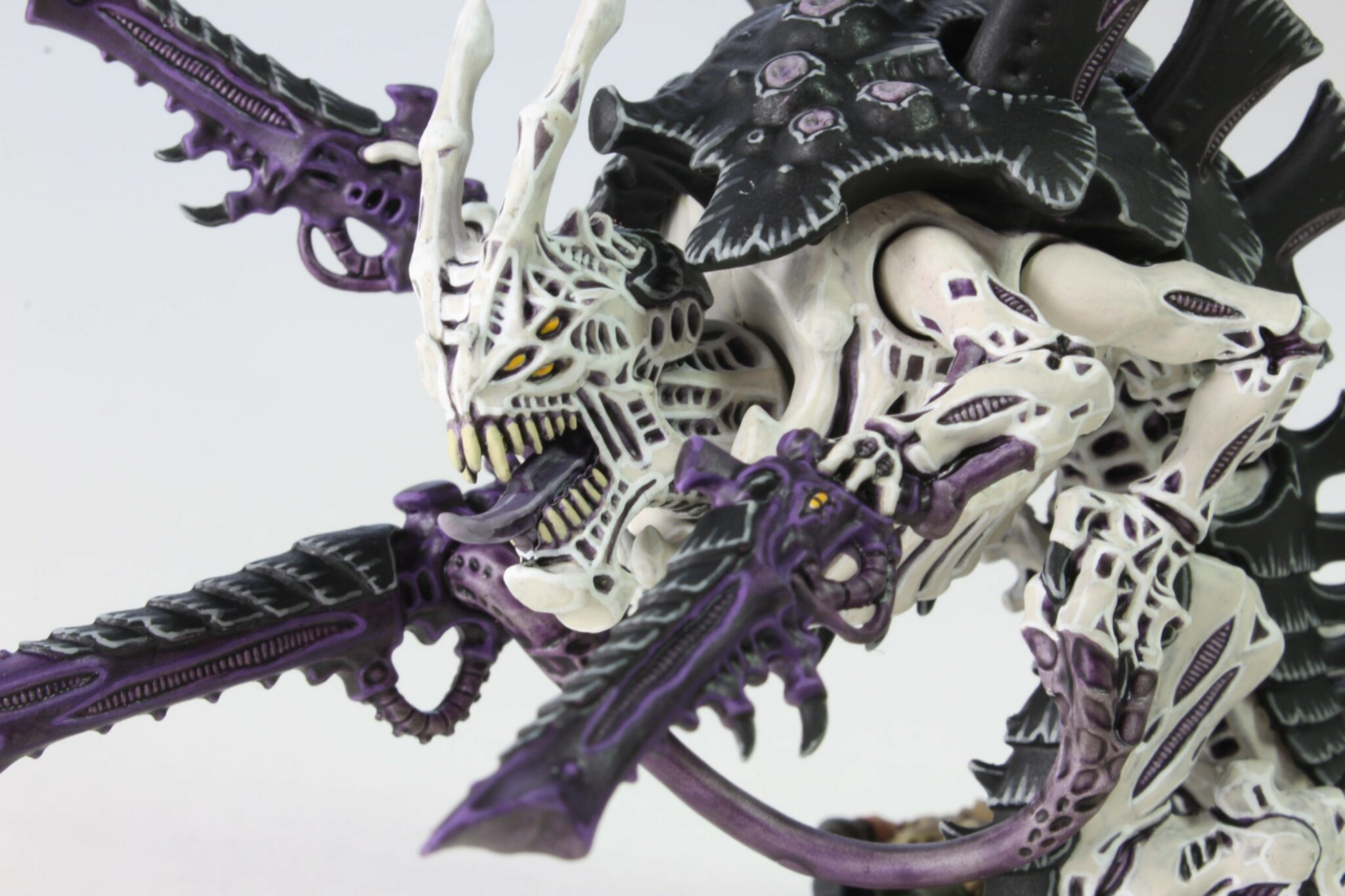 Tyranids - Carnifex - Venom Cannon - Face Left Side